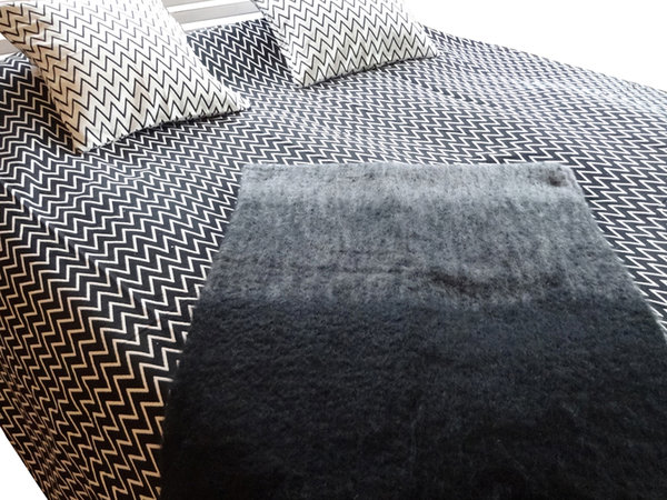 Bedspread black and white